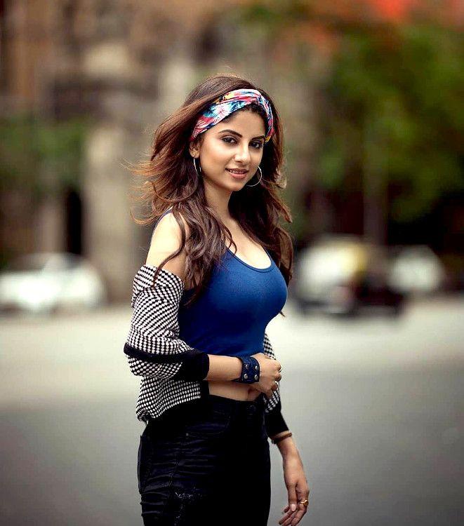 hot iranian girl
