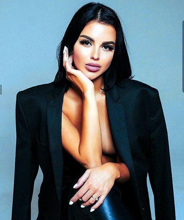 sexy armenian woman