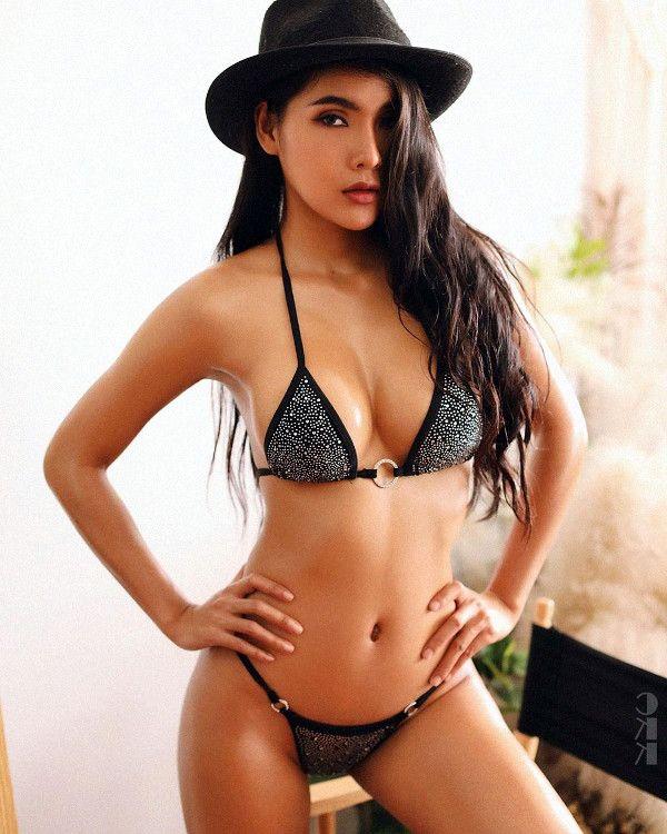 hot singapore woman